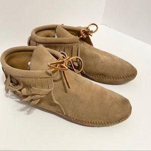 Minnetonka Moccasins Tan Fringe Booties Boots 7